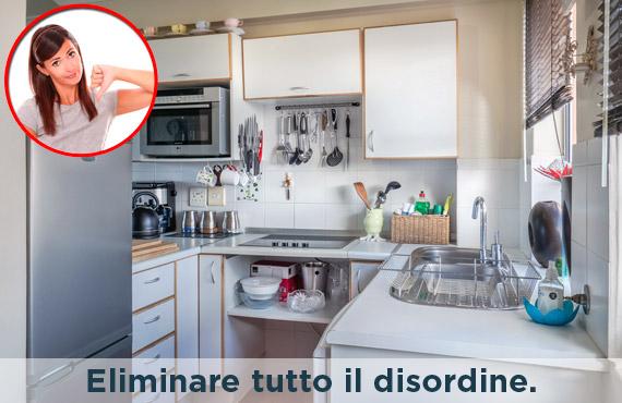 consigli home staging eliminare tutto il disordine - Foto di cucina con tanti oggetti